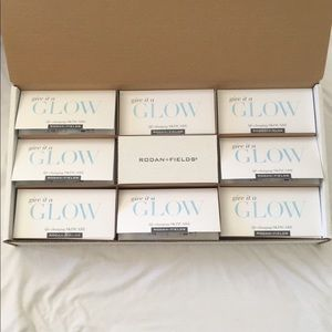 Rodan & Fields Give it a Glow Mini Facial Samples